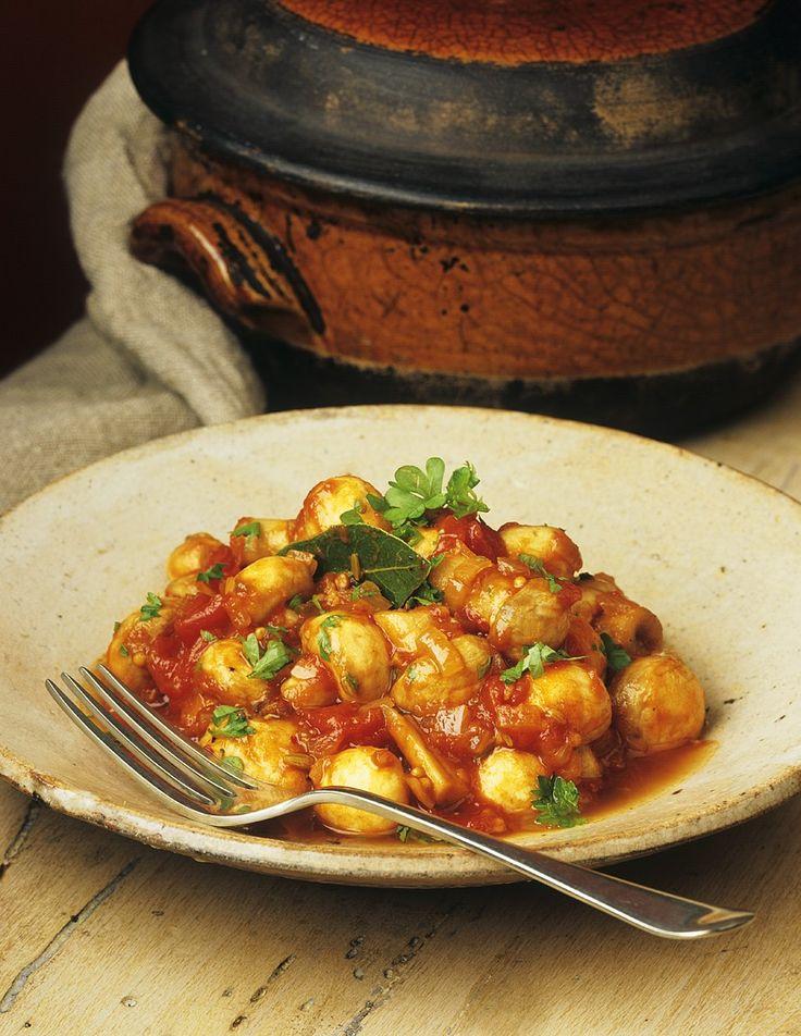 Pilz-Tomatenragout | Zeit: 30 Min. | http://eatsmarter.de/rezepte/pilz-tomatenragout