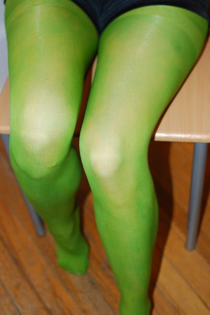 Dye Pantyhose w/ Kool-Aid  Food Coloring