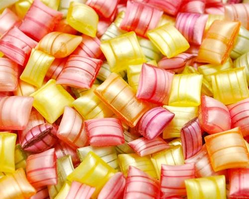 Résultats Google Recherche d'images correspondant à http://www.lovengift.fr/7793-large/bonbon-berlingot-bonbons-d-antan.jpg