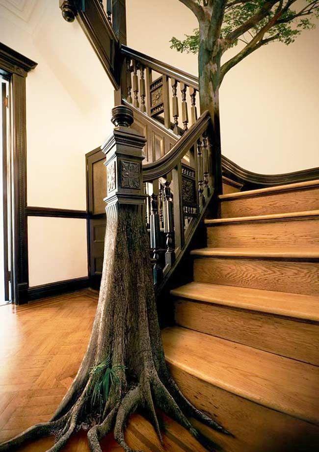 Лестницы в интерьерах различных стилей. Варианты оформления деревянных, каменных и кованых лестниц, их особенности и преимущества, фото оригинальных решений интерьера.