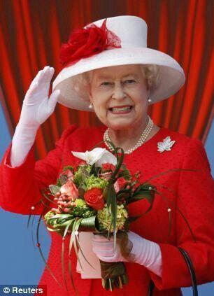 HM in Canada......maple leaf diamomnd pin !!