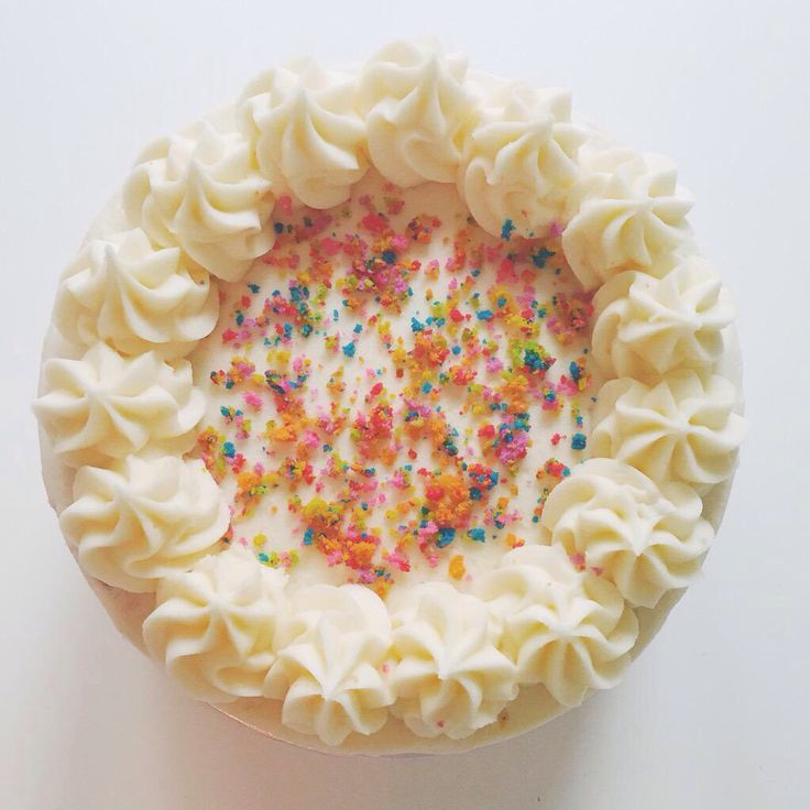 Zoella birthday cake