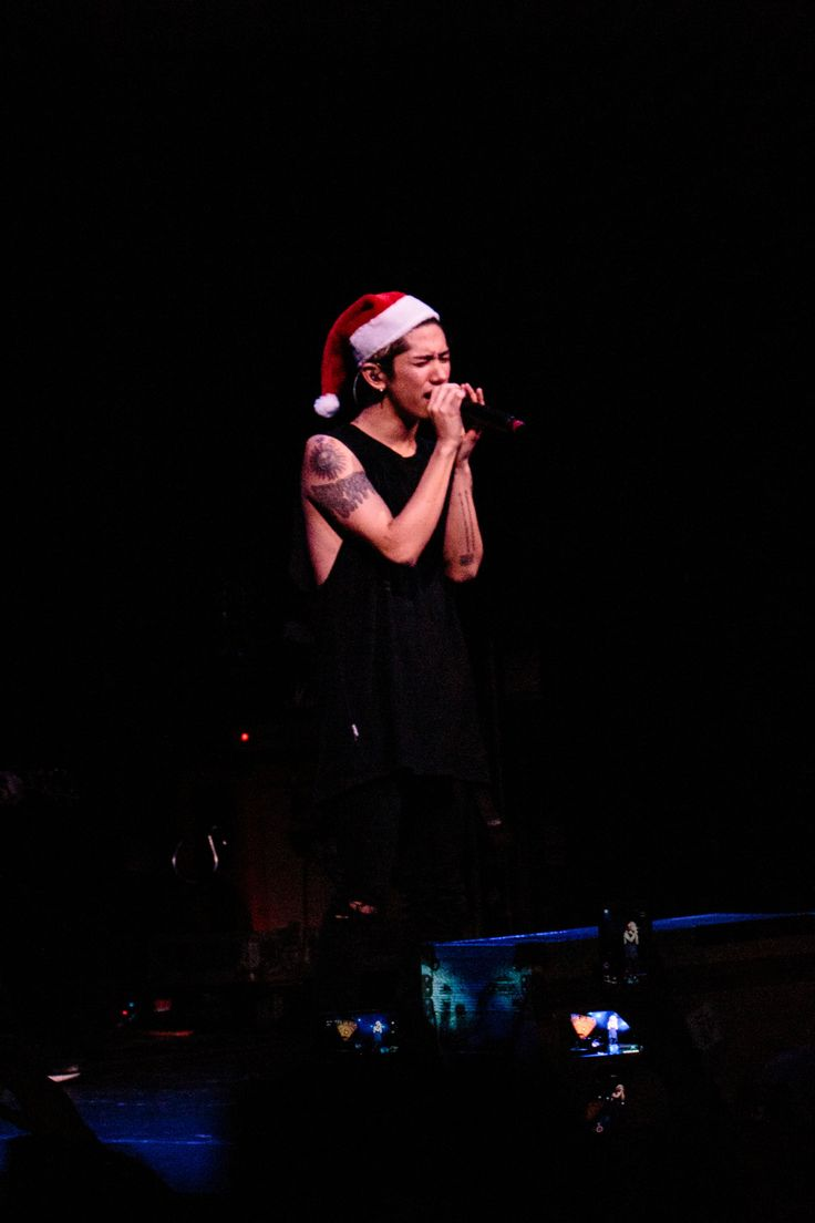 loveoflivemusic Takahiro Moriuchi of One Ok Rock, live @ Paradiso, Amsterdam 22-12-2015 photo by loveoflivemusic