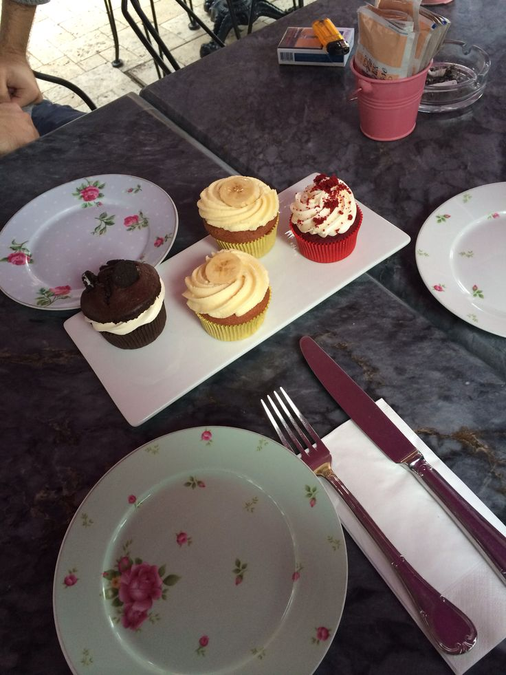 Cupcakes lovers. at La vie en rose, yeniköy istanbul