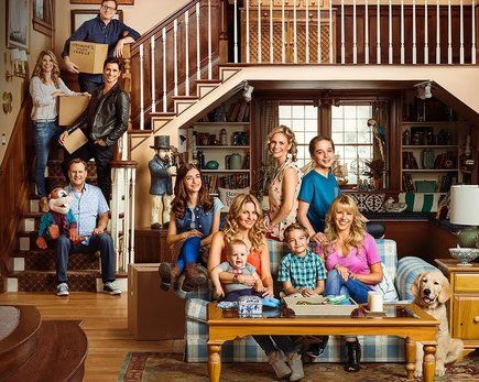 New 'Fuller House' Teaser Sets Some Serious #SquadGoals