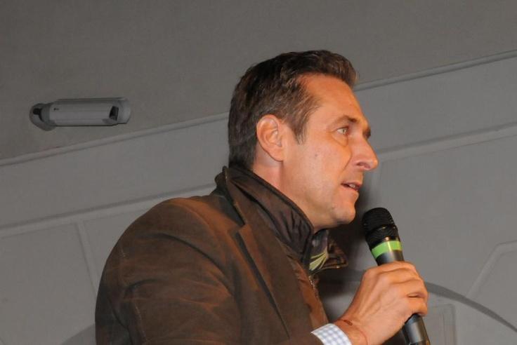 Heinz Christian Strache in Graz - https://plus.google.com/u/0/101700768890016369861/posts | #FPÖ #hcstrache #Österreich #Wien #Vienna