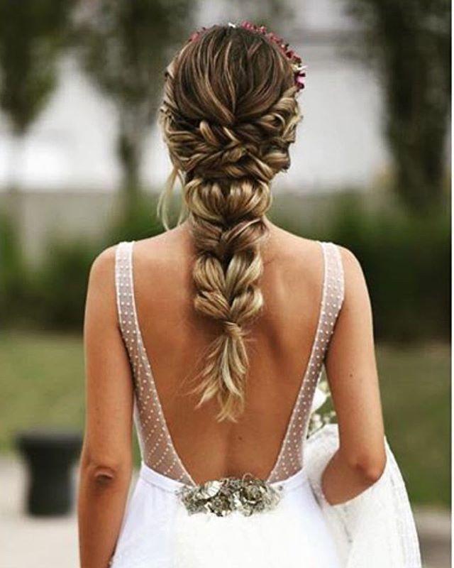 Daily Wedding Dress Inspo (@weddingdressesofficial) • Instagram-Fotos ... - Hair - #Daily #Dress #Hair #Inspo #InstagramFotos