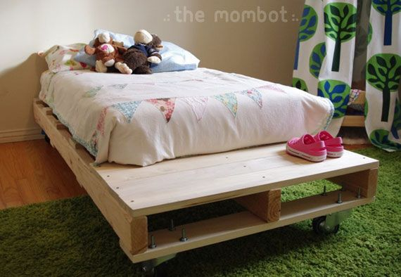 """diy """"pallet"""" toddler bed - now that I know how to use a saw, I'm going to make this ;) ...don't want it hollow tho."""