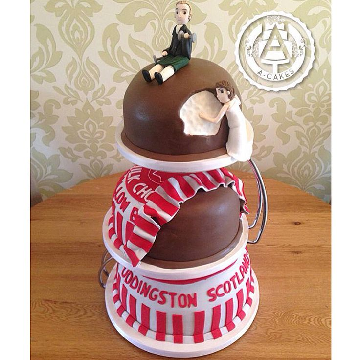 Tunnock's tea cake wedding cake