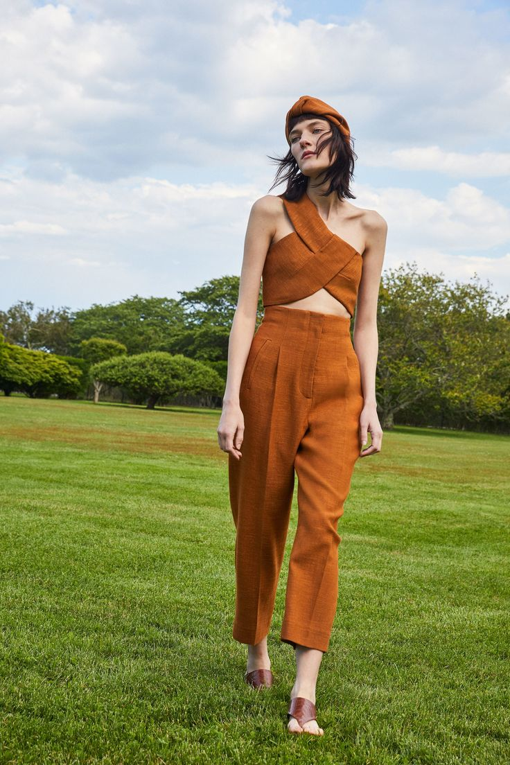 See the complete Rosetta Getty Resort 2018 collection.
