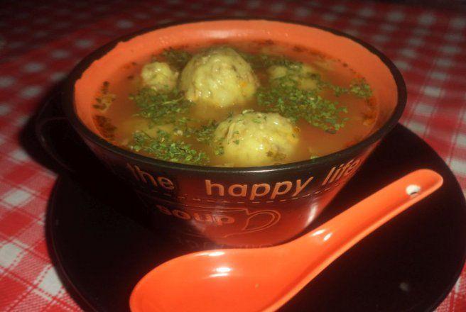 Retete Culinare - Ciorba de perisoare din ciuperci