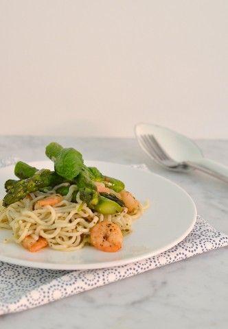 Pasta (maïspasta als vervanger van Slimpasta) met garnalen en groene asperges