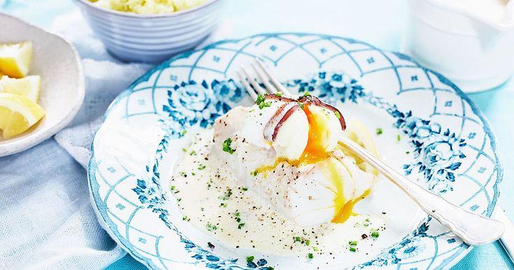 Torskrygg med pocherat ägg och vitvinssås - Recept - Arla