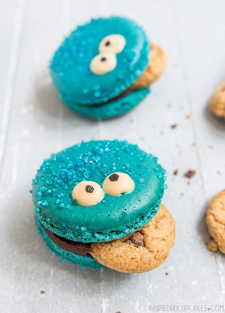 Cookie Monster Macarons from @Stephanie Close Close Close Francis H - raspberri cupcakes --so cute!!
