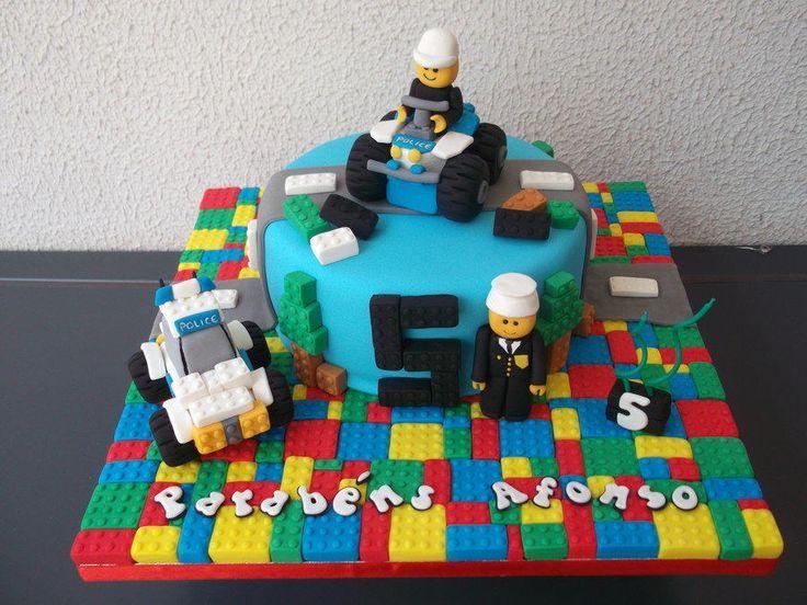 Lego City - Cake by Alexsandra Caldeira