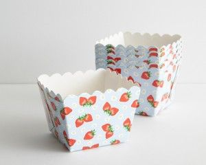 Square Strawberry Baking Cups-Set of 25 - Cupcake Liners - Cake - Shop Cakegirls