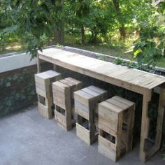 Pallet Furniture Instructions Pallet furniture instructions Dining table and DIY projects DIY Pallet Furniture Bench seat made from shipping palettes Table Here are 20 great DIY