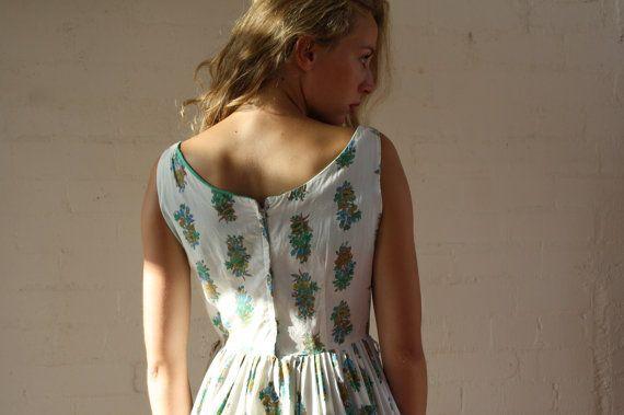 Vintage 1950s Green Fields Dress / Full Skirt / Cotton / S
