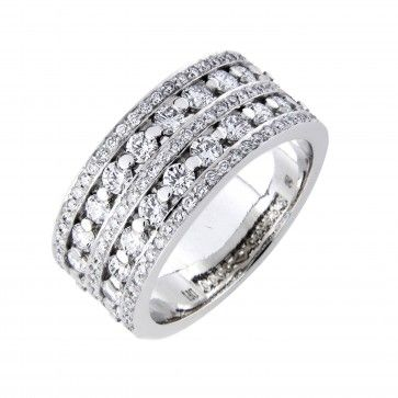 #Vihkisormus - Cannes - #MalminKorupaja. Näyttävä #timanttisormus, #valkokulta. #Diamond #ring by Malmin Korupaja. #Wedding ring, #whitegold.