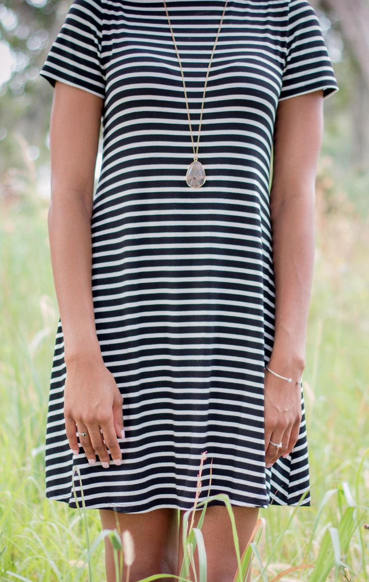 Black & White Shift Dress// Styl'd Grace// Houston- based lifestyle blog by Brittainy Perry