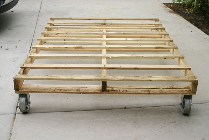 Pallet bed base looks really easy diy pinterest - Camas con palets ...