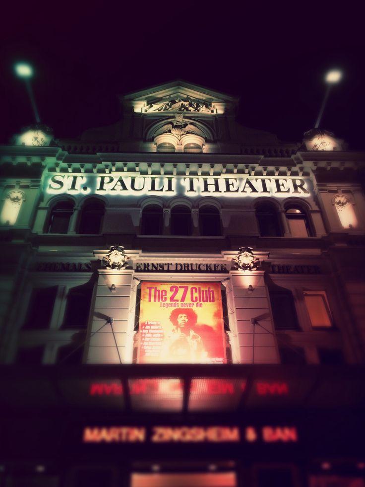 #hamburg #theatre #nacht #stpauli #deutsch #2017 #the27club #stpaulitheater #theater #Musikgeschichte #musik #legenden #Spielbudenplatz ⚓