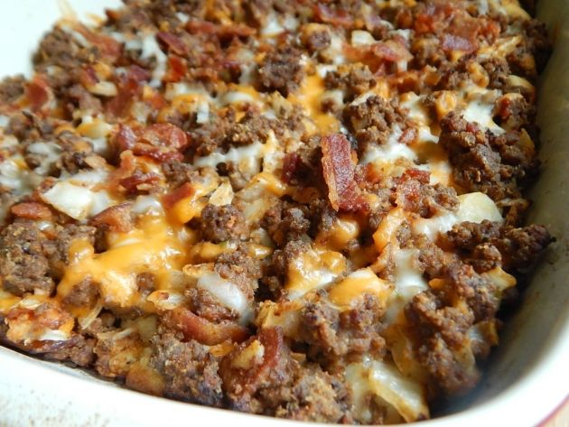 Bacon cheeseburger bubble up casserole – 7 Smartpoints