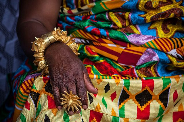 Africa | Gold ring and bracelet details worn by the Ashanti chief.  Akwasidae the great celebration of the Ashanti in Kumasi. Ghana. | © Anthony Pappone