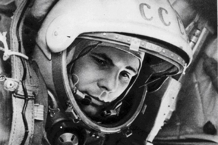 """Постер-плакат с шелковой печатью """"Юрий Гагарин"""" — http://fas.st/9eDfT"""