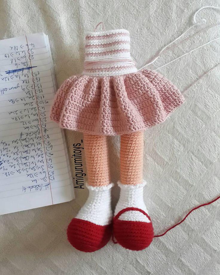 Yap sök yap sök zor bir doğaçlama geliyor  #sirincebebek tarifini büyütme çabalarim . . . #tbt #amigurumi #handmade #amigurumidoll #amigurumist #organioyuncak #doğal #natural #antalya #oyunarkadaşı #amigurumilove #amigurumitoy #amigurumis #crochet #crocheted #amigurumianimals #amigurumi #amigurumiloves #elemeği