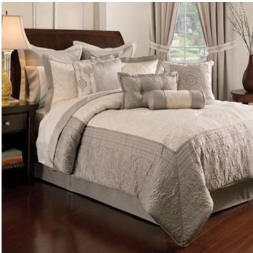 Kohls Bedding Set. Perfect Against A Dark Wall