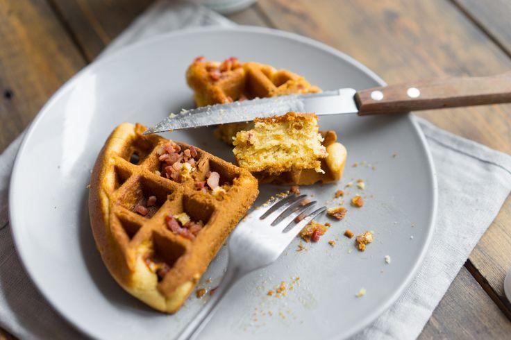 Венские вафли с беконом | Венские вафли — это идеальный вариант завтрака, но в отличие от панкейков, блинов и настоящих каш, время на приготовление ничтожно мало.