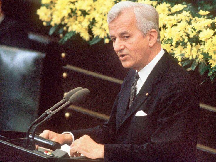 Bundespräsident Richard von Weizäcker bei seiner Rede zum 8.Mai 1985
