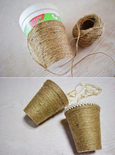 Decora unos vasos desechables con hilo de fibra natural y una parejita de tela ~ Mimundomanual