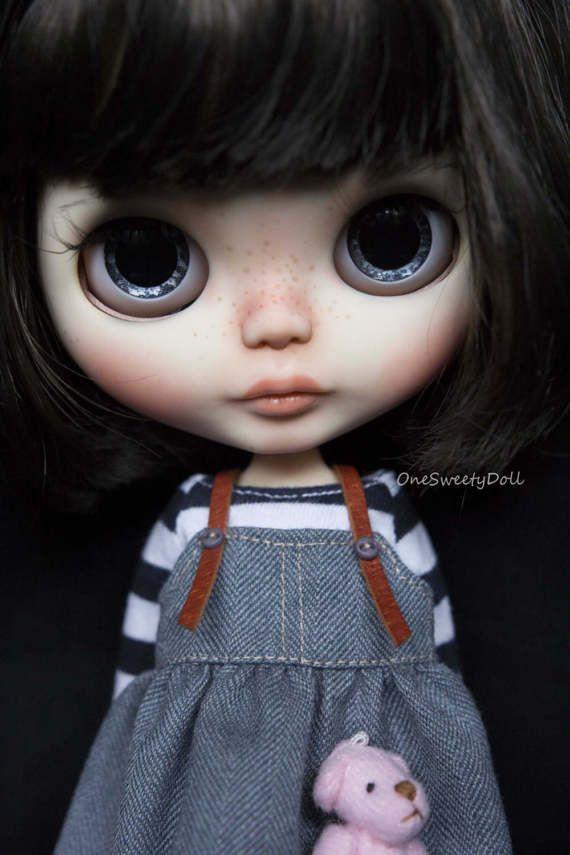 Alice tmavě hnědé vlasy RBL Blythe tovární zvyky OOAK