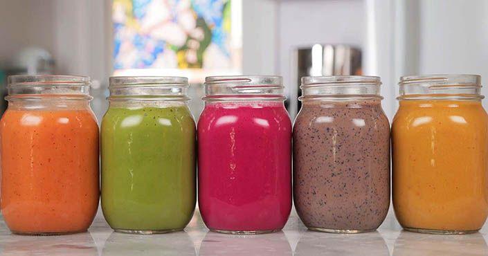 5 receptov na zdravé smoothie, ktoré sú vhodné pre vegánov vás nabijú energiou a zásobia telo vitamínmi. RAW, bez mlieka, vegánske smoothie nápoje