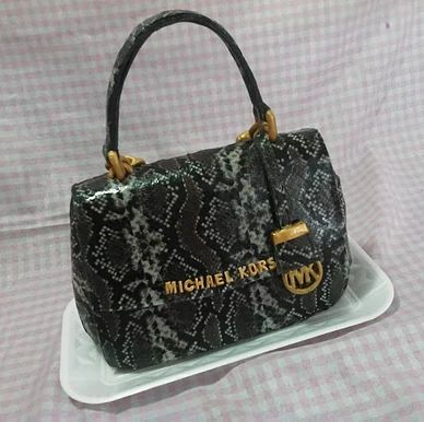 sukielanzafestas | Esculpidos Cake Bag Michael Kors, Bolo Bolsa couro de PHYTON