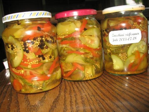 Einmachen: Süß-sauer eingelegte Zucchini