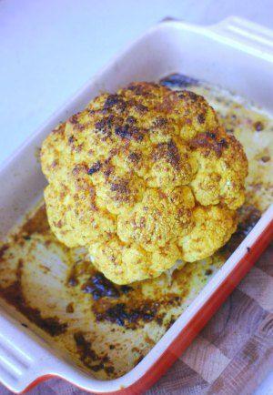 Curryrostad blomkål med linser och tofu i tomat-& äppelragu, yoghurt