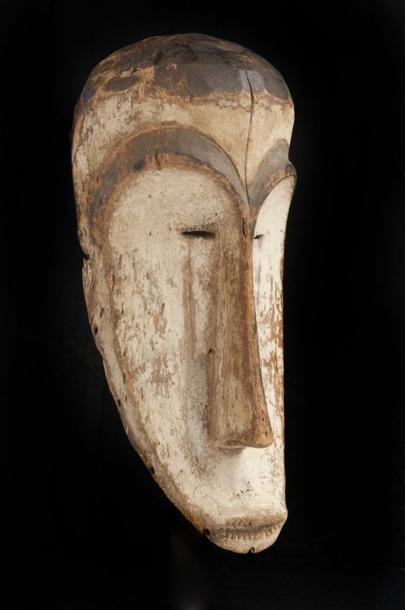 Africa | Mask from the Ngil society from the Fang people of Gabon/Equatorial Guinea | Wood with kaolin | ca. mid 1900s
