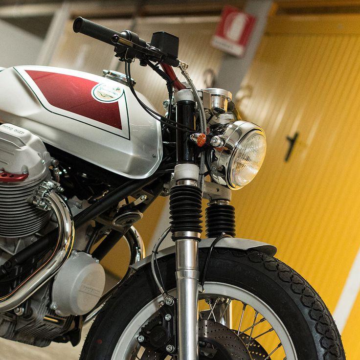 Quattrotempi: A sublime Moto Guzzi 1000 SP customized by Officine Rossopuro.