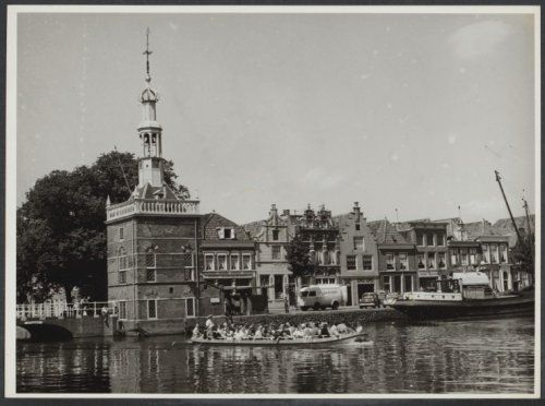 http://www.gahetna.nl/collectie/afbeeldingen/fotocollectie/zoeken/weergave/detail/tstart/0/start/1088/q/zoekterm/alkmaar/q/commentaar/1