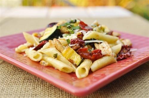 Roasted Tomato and Chicken Pasta  @yourhomebasedmom.com