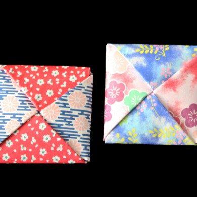 """折り紙で作る""""コマ・独楽""""の折り方です。 折り紙の他に爪楊枝が必要になります。折り方が手裏剣と似ているので慣れている人は簡単に作れてしまいますね。"""