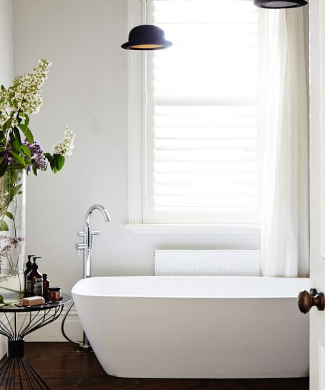 Get ready for a big feng shui surprise! Yes, even the smallest bathrooms can have good feng shui! Here are 25 small bathrooms with great feng shui.: Peaceful Bathroom