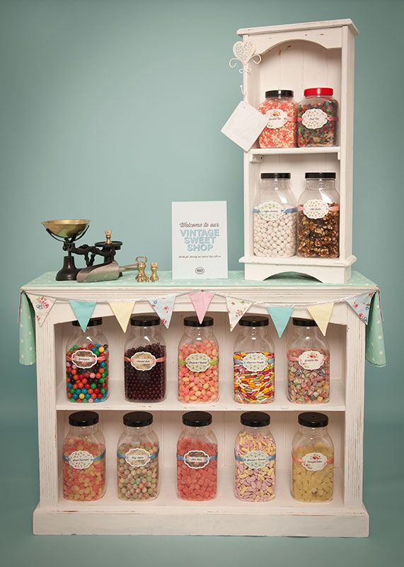 Moo's Vintage Sweet Shop for weddings in Portsmouth, Hampshire, UK and other surrounding cities