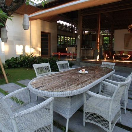 The Babylon Armchair looks fabulous as part an outdoor dining room - Complete Pad