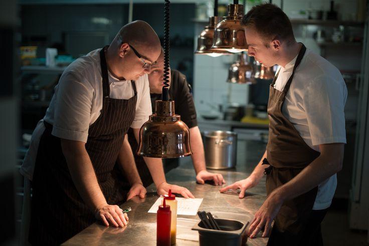 Od 5 maja 2016 na gości czeka restauracja Wilcza 50, w której stanowisko Chefa Kuchni objął Sebastian Olma, jeden z najzdolniejszych kucharzy młodego pokolenia. Więcej na Exu Magazine: http://exumag.com/restauracja-wilcza-50/
