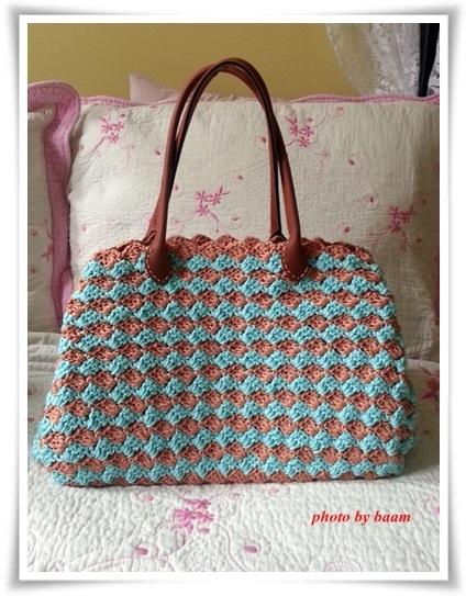 Crochet handbag