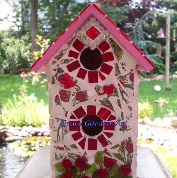 Red Tile, Raspberry Pink Grout, Mosaic & Red Roses Birdhouse